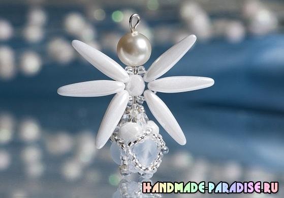 Ангел из бисера и стеклянных бусин (2)
