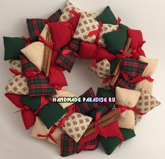 Декоративные венки из текстильных подушечек (8)