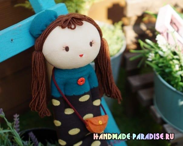 Кукла из носков с волосами из пряжи (3)