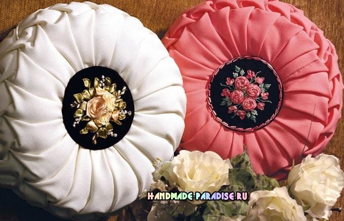 Декоративные подушки с вышивкой лентами (3)