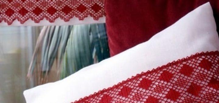 Декорирование подушек кружевом крючком. Схемы