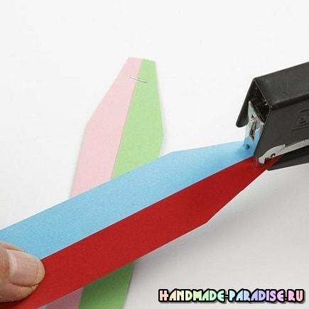 Как из полосок бумаги сплести шарик (2)