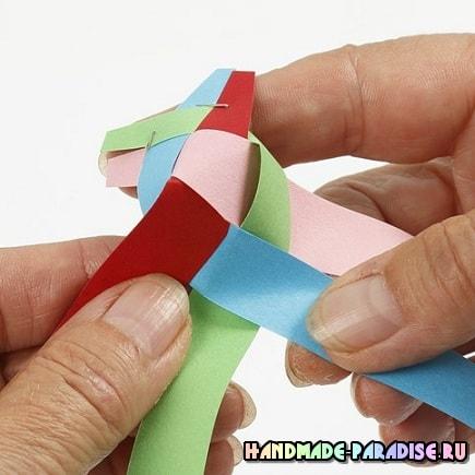 Как из полосок бумаги сплести шарик (6)