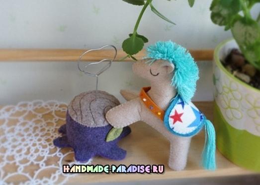 Как сшить лошадку из фетра (3)