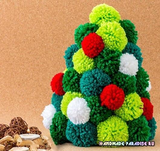 Новогодняя елочка из помпонов