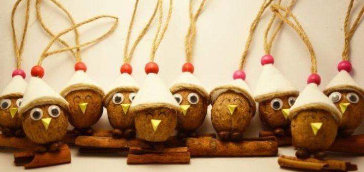 Птички из грецких орехов - подвески для елочки