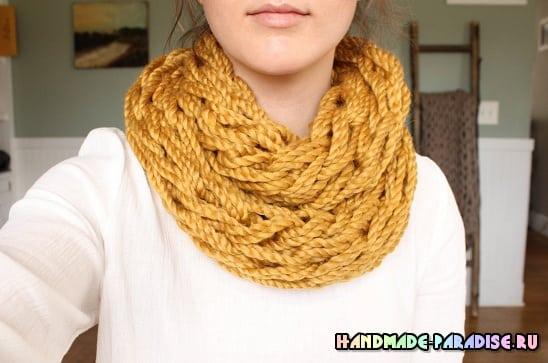 Большой теплый шарф. Вязание без спиц, на руках (4)