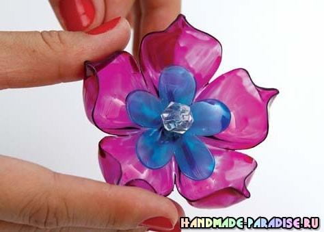 Цветы из пластиковых бутылок для декорирования абажура (5)