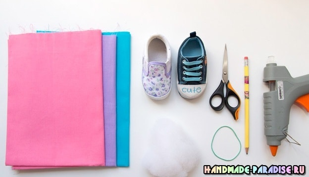 Игольница из детской обуви - полезность и память