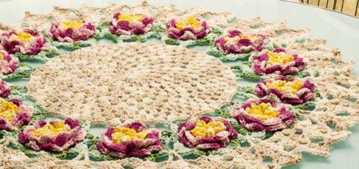 Круглая салфетка с розами крючком