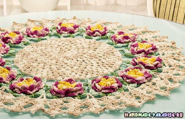 Круглая салфетка с розами крючком (6)