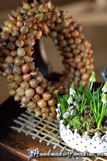 Луковый венок для украшения пасхального интерьера (4)