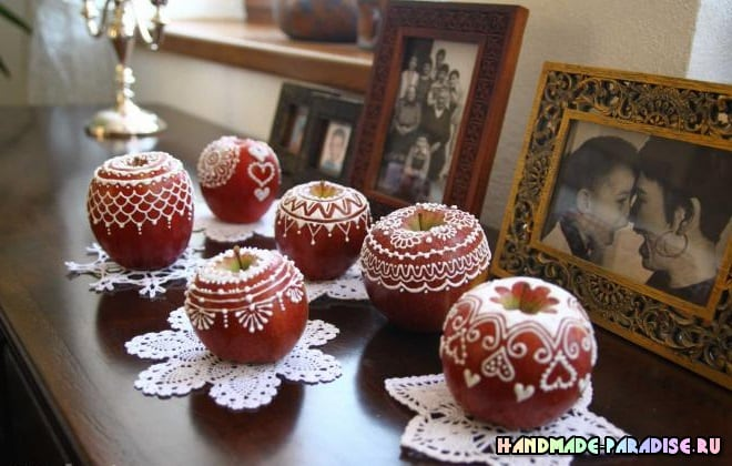 Рождественские яблоки с росписью глазурью (7)