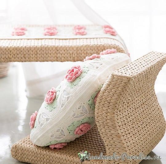 Розовое настроение. Подушка и салфетка крючком (6)