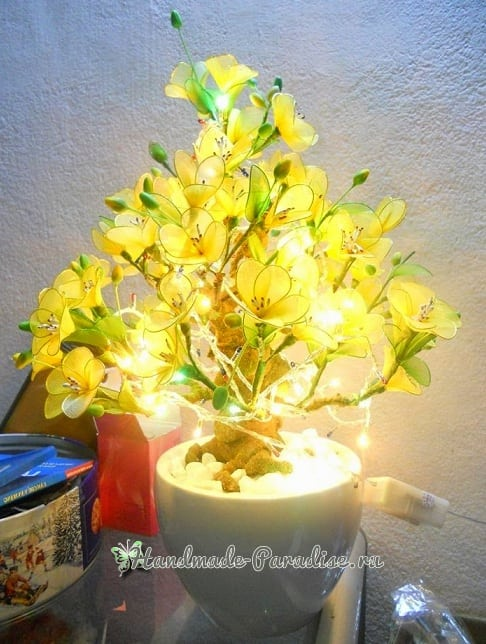 Цветущий абрикос из капрона. Мастер-класс (15)
