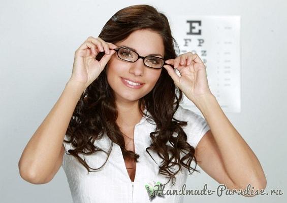 Устранить недостатки лица помогут очки