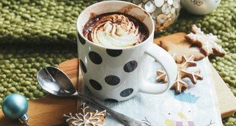 Вкусный десерт - молоко с шоколадной пастой Nutella