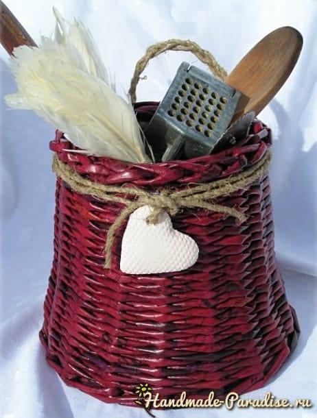 Плетение игольницы из газетных трубочек (10)