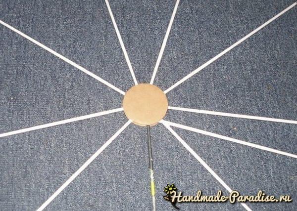 Плетение игольницы из газетных трубочек (2)