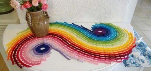 Спиральная радужная салфетка крючком