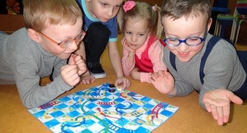 10 игр, которые важны для развития ребёнка (3)