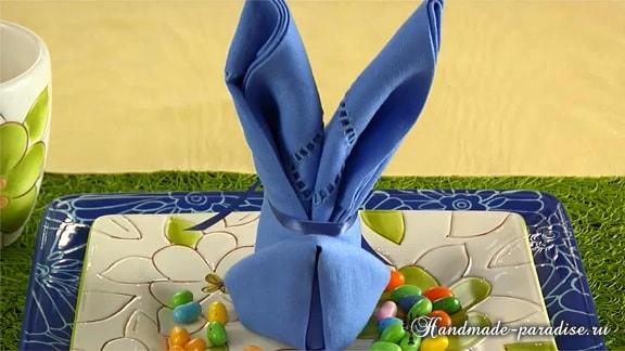 Как сложить салфетку в форме пасхального кролика (15)