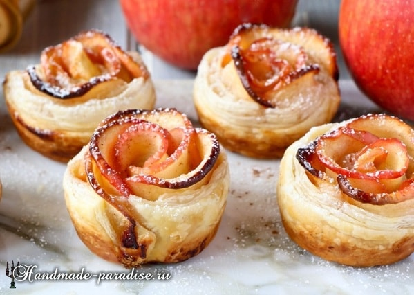 Яблочные розы из слоеного теста