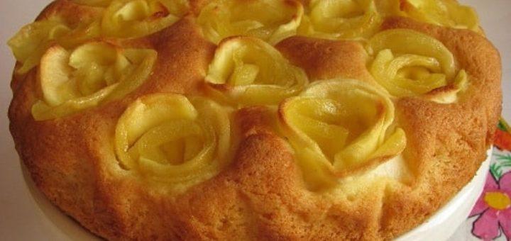 Яблочный пирог с розами