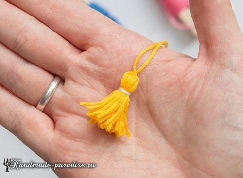 Как сделать кисточку из ниток мулине