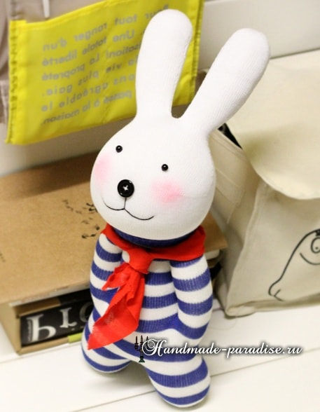 Как сшить кролика из носков (11)