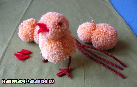 Пасхальный цыпленок из помпонов. Мастер-класс (10)