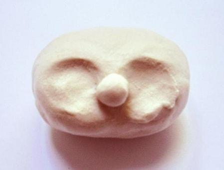 Как слепить голову куколки из полимерной глины (12)