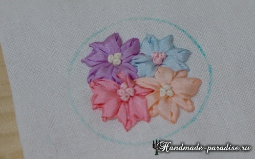 Вышивка лентами цветов для декора заколки (13)