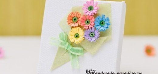 Миниатюрный букетик цветов в технике квиллинг
