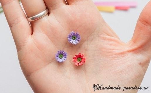 Миниатюрный букетик цветов в технике квиллинг (10)