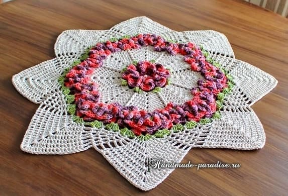 Салфетка Цветочная лужайка. Вязание крючком (4)