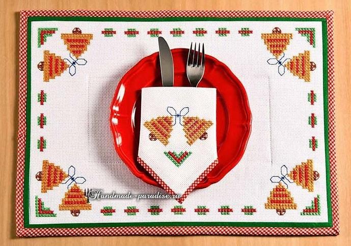 Новогодняя салфетка с вышивкой крестом