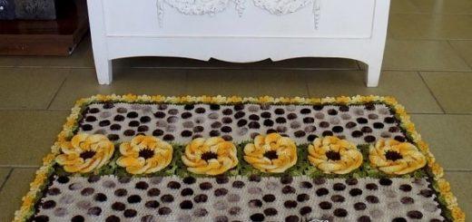 Коврик крючком с большими объемными цветами
