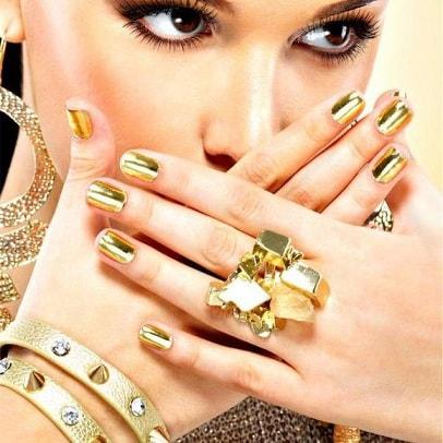Золотой маникюр в тренде моды