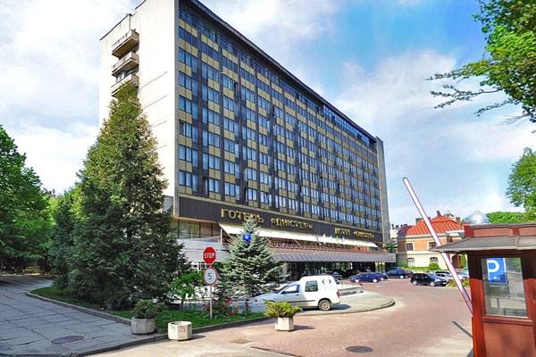 covremennyiy-komfortabelnyiy-otel-premier-hotel-dnister-3
