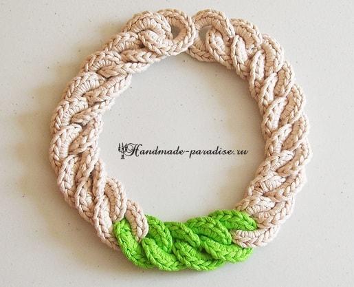 Крупная цепь крючком. Вязаное ожерелье