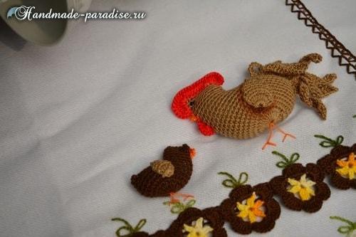 Петушок, курочка и цыплята на полотенце (1)