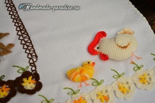Петушок, курочка и цыплята на полотенце (2)