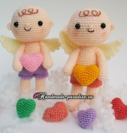 Ангел с валентинкой. Куколка амигуруми крючком (8)