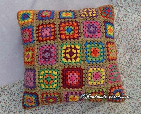 Интерьерная подушка бабушкиными квадратами (3)