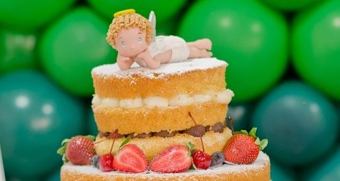 Ангел из сахарной мастики на торте