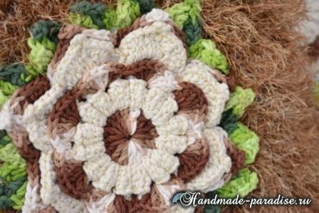 Подушка из коричневой пряжи «травка» (1)