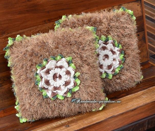 Подушка из коричневой пряжи «травка» (4)