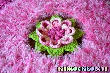 Розовая роза. Салфетка крючком из пряжи «травка» (2)