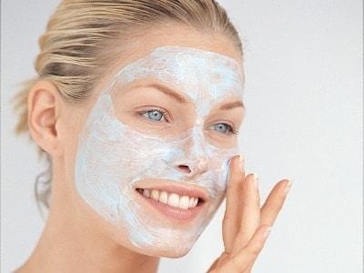 Применение масок для лица против кожных дефектов (2)